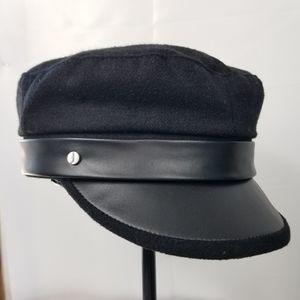 NWT Captains style hat faux leather trim